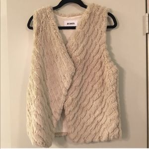 Bb Dakota cream fur vest. Worn once!!